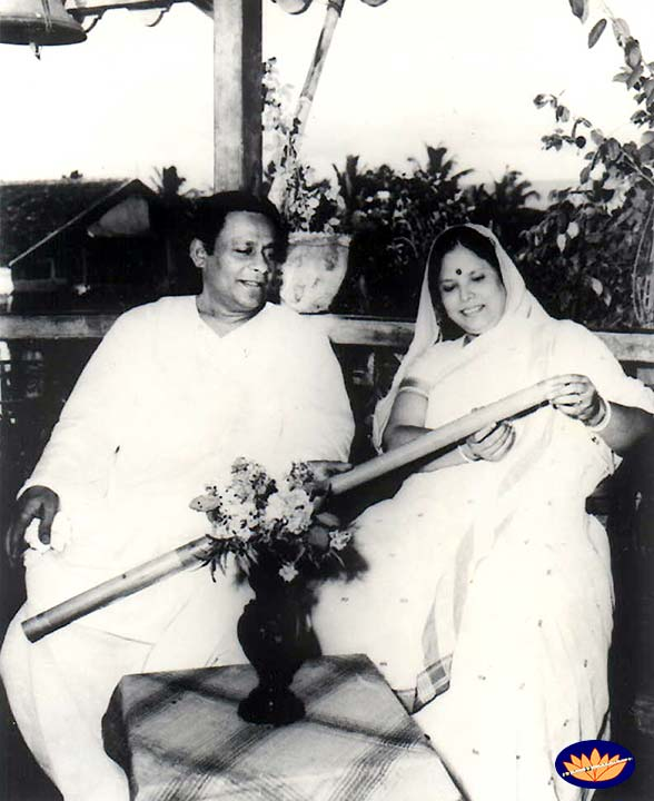 Pannalal Ghosh and wife Parul Ghosh
