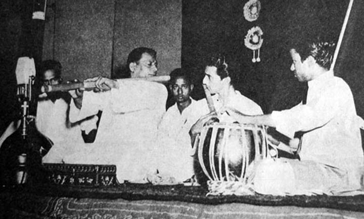 Pannalal Ghosh playing his bass bansuri with Devendra Murdeshwar accompanying.